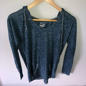 OLD NAVY semi-fitted long sleeve active T-shirt